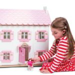Sophies Dollhouse by Le Toy Van