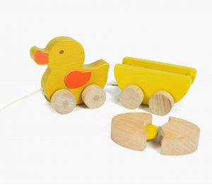 EverEarth Pull Along Duck With Egg
